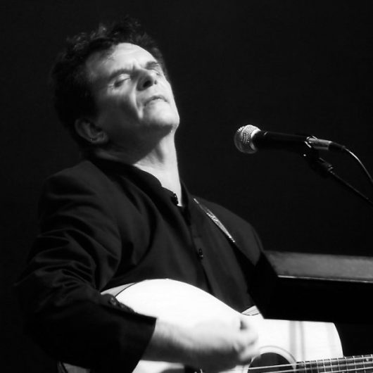 image of Donnie Munro in concert